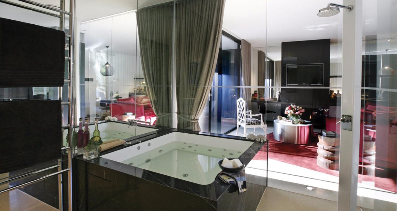 Luxury and elegance: home spa baths