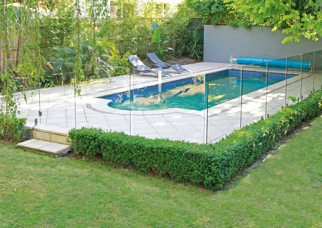 everton glass pool fencing
