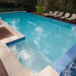 Those blue hues: a modern pool design