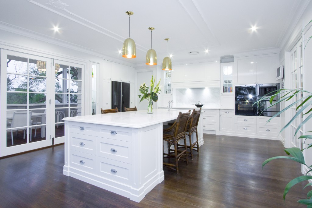 Understated opulence: a classic refined kitchen - kitchen overview