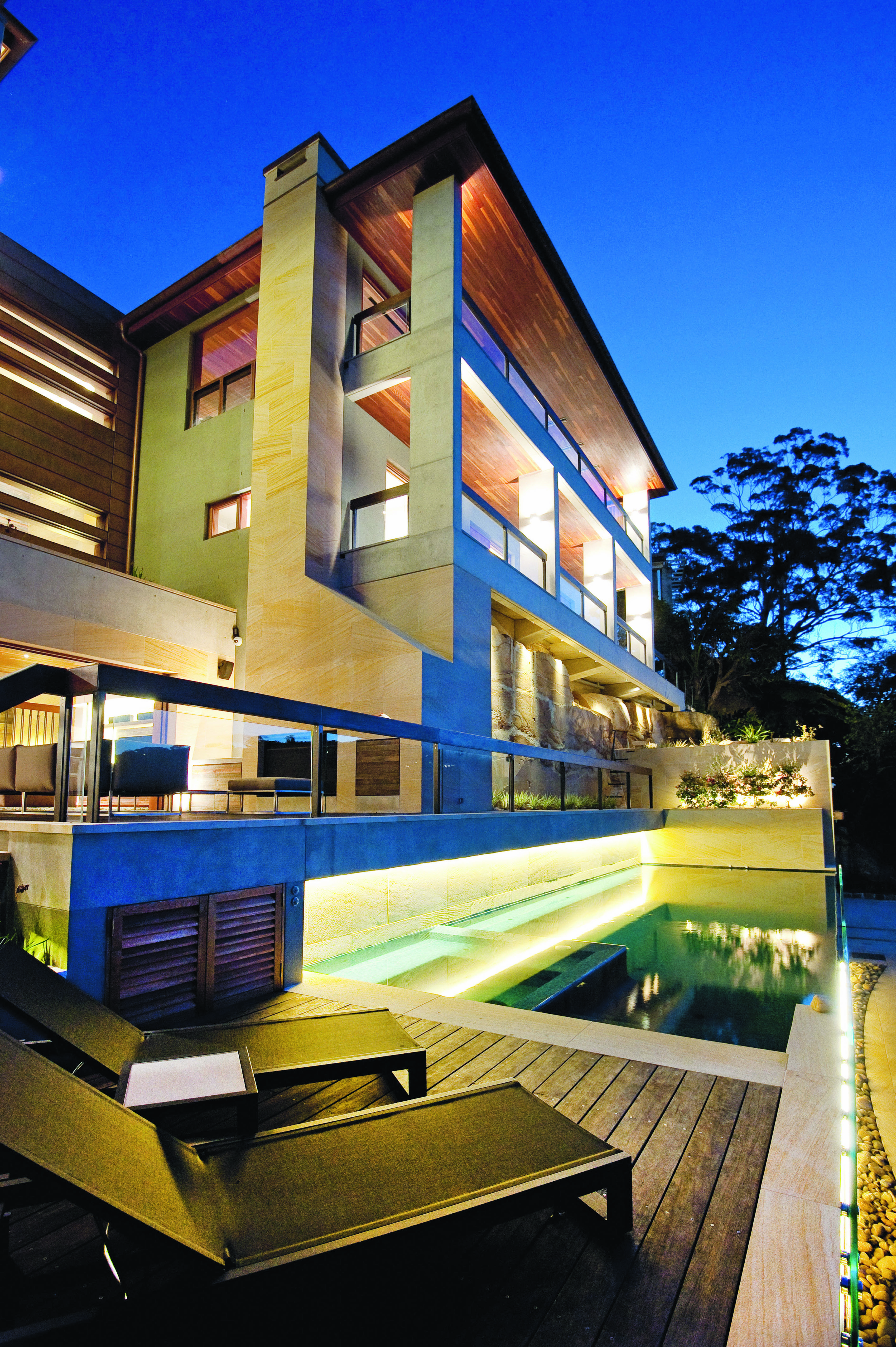 Sea of tranquility: a magic infinity pool - Best Homes
