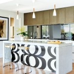 Entertainer's dream: bold open-plan
