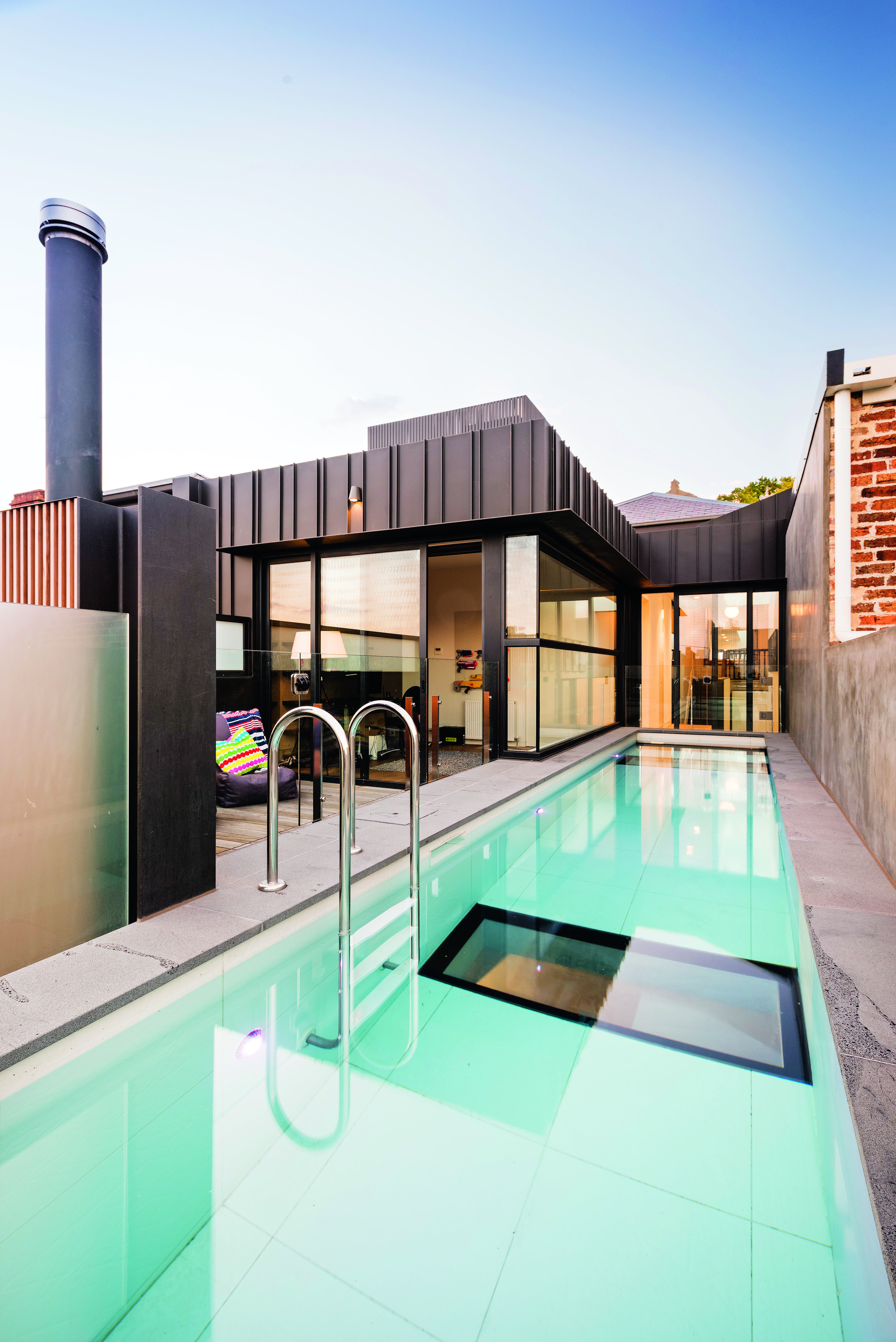 Rooftop pool: the only way is up