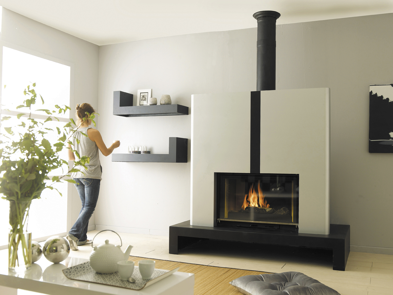 Cheminees Philippe: the best of both heating worlds - double sided fireplaces