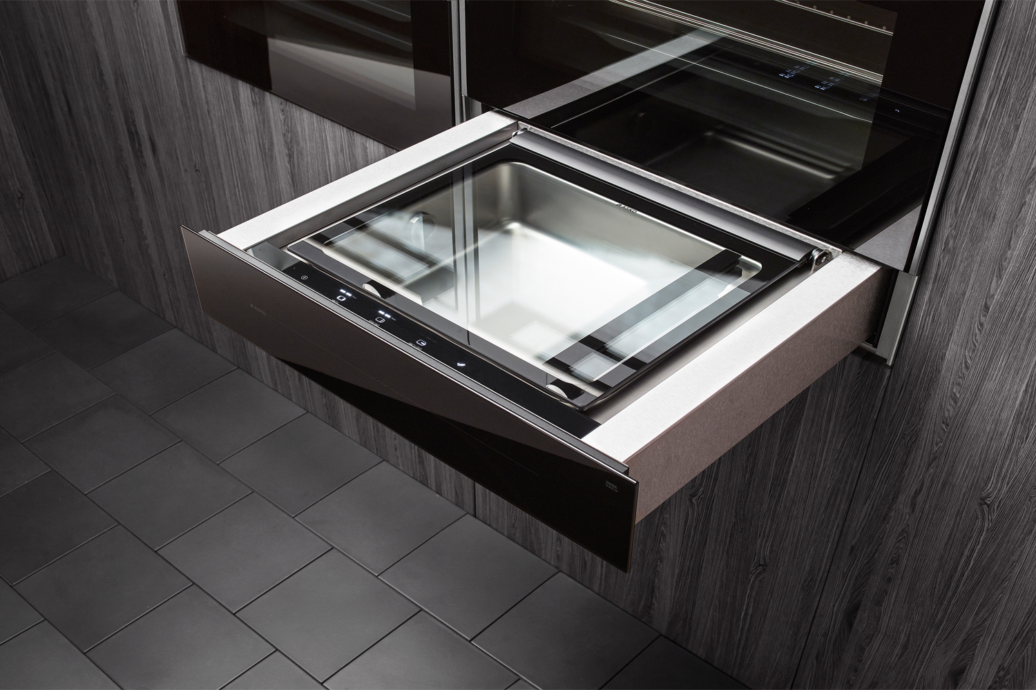 Sous-vide cooking: modern kitchen appliance - Asko vaccuum seal drawer in wall