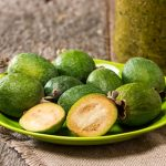 "Feijoa: discover the ""pineapple guava"""