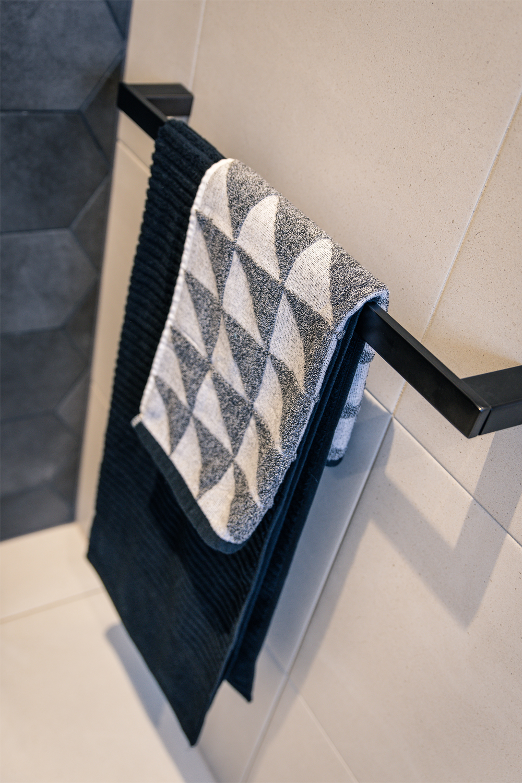 Ensuite project: a spacious design - matte black towel rail
