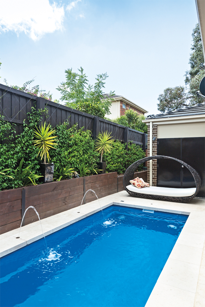 Small space: 3 compact pool options - small backyard pool