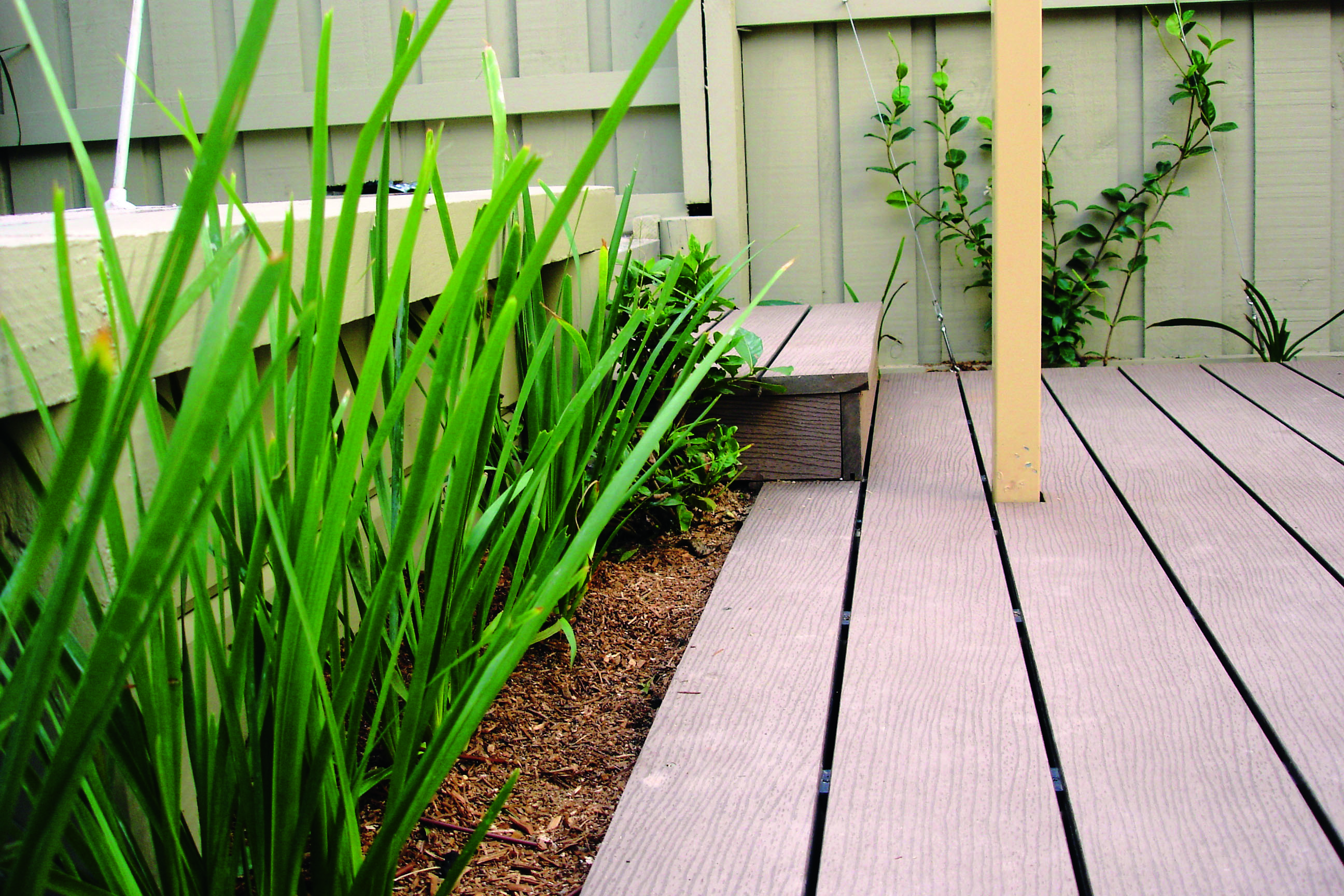 Composite decking: a versatile outdoor option - deck close up view outdoor projects