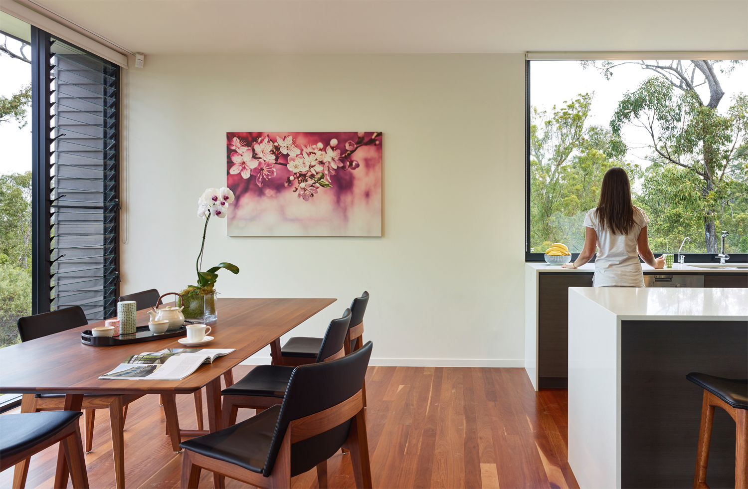 Grand Designs Australia: High Flyer - Architects' masterpiece - dining room