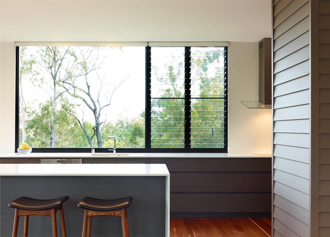 Grand Designs Australia: High Flyer - Architects' masterpiece - Kitchen bar