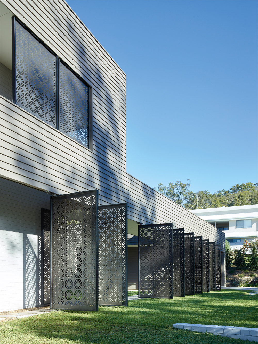 Grand Designs Australia: High Flyer - Architects' masterpiece - exterior: laser cut screens 4