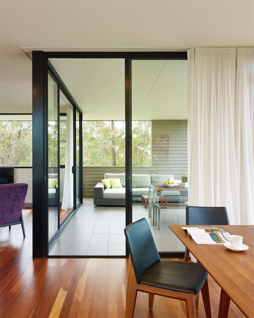 Grand Designs Australia: High Flyer - Architects' masterpiece - upstairs living room