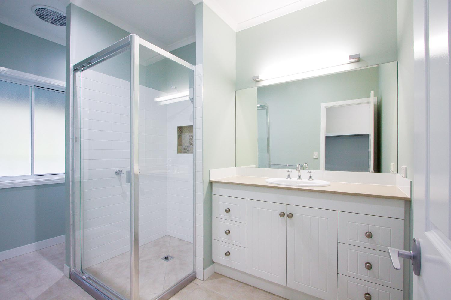 More for less: a classic Queenslander home - bathroom interior