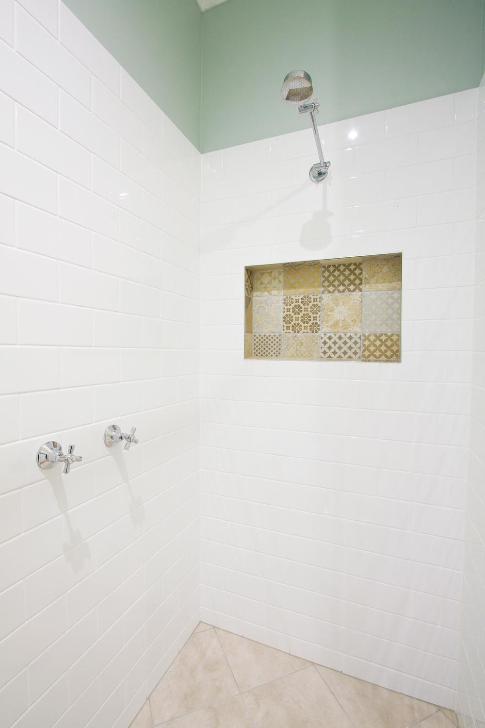 More for less: a classic Queenslander home - inside shower