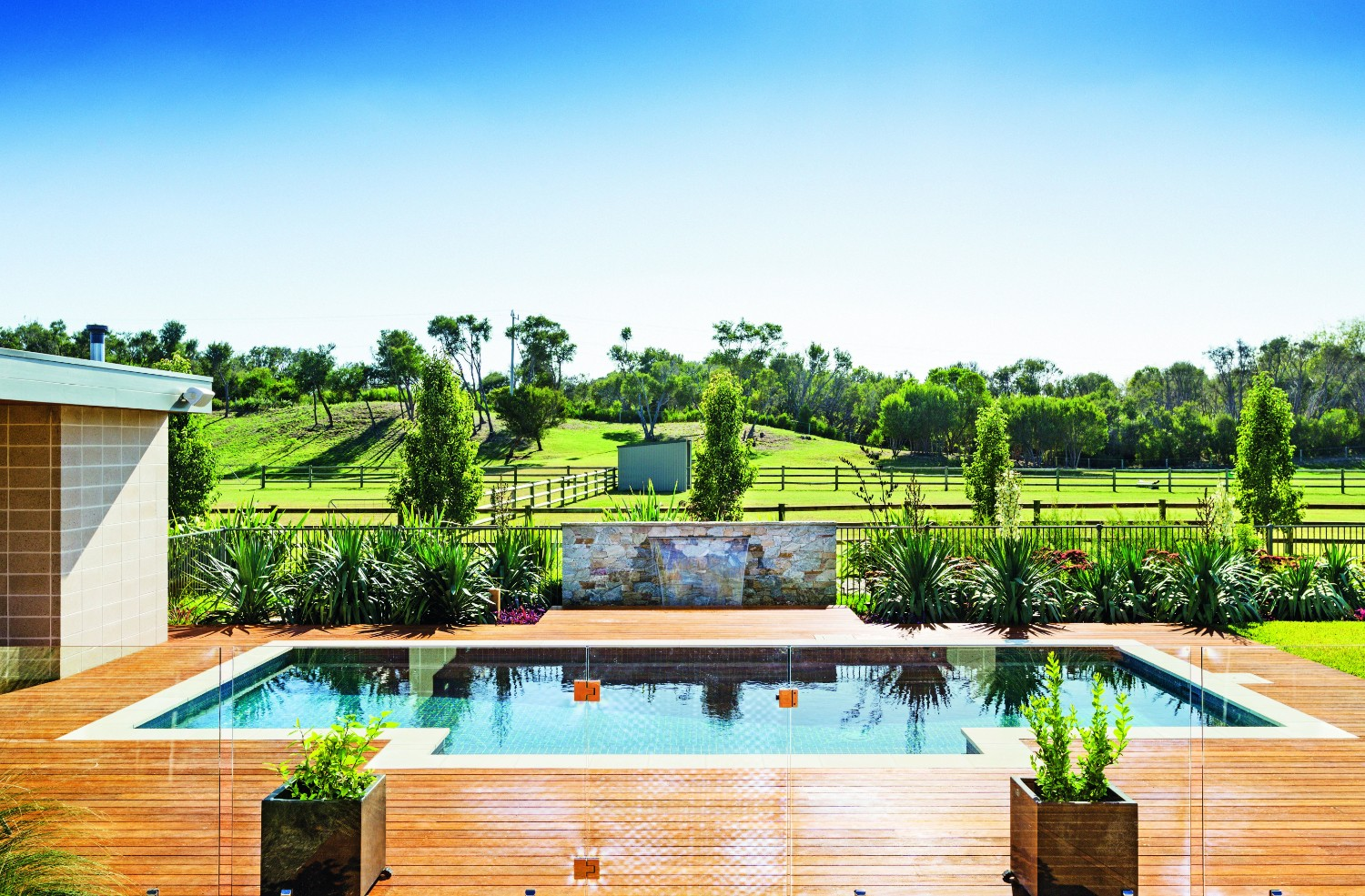 6 great pool landscaping ideas to revitalise your outdoors