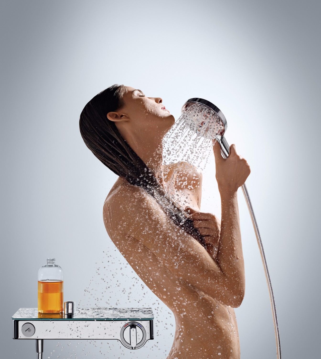 Hansgrohe Raindance Select: intuitive, innovative water control - hand shower demonstration