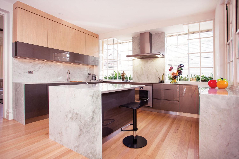 Sea Pearl: Modern kitchen design