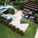 5 tips on installing a pool fence without ruining your outdoor aesthetic