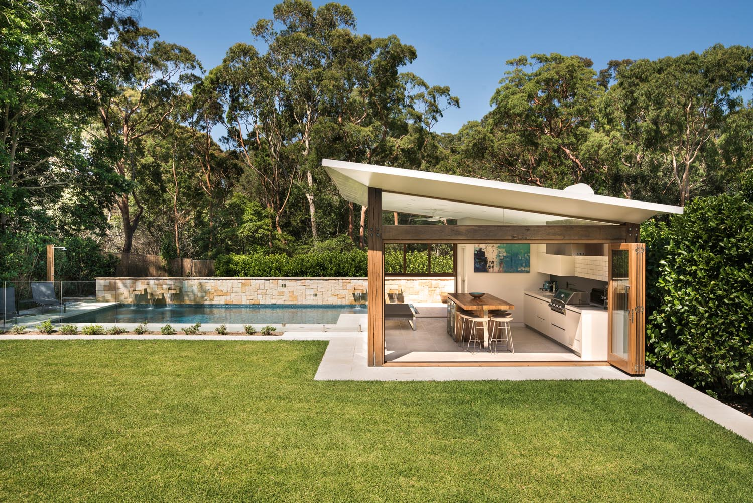 Perfect form: seamless outdoor entertaining