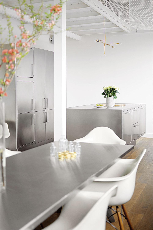 9 quality kitchen designs: 8. Metal magic