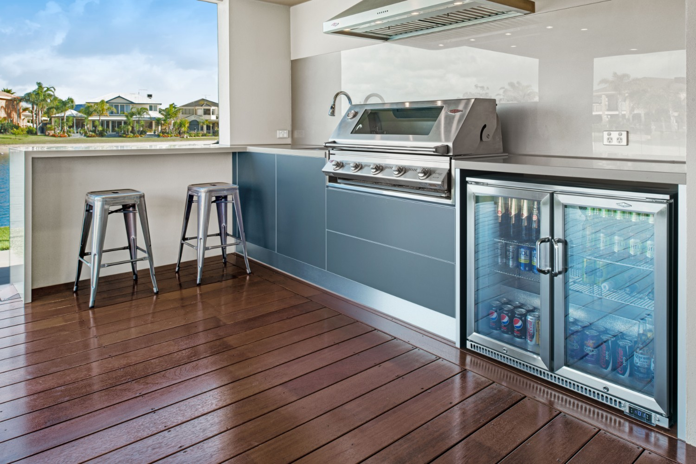 On the riverfront: a gorgeous coastal outdoor kitchen