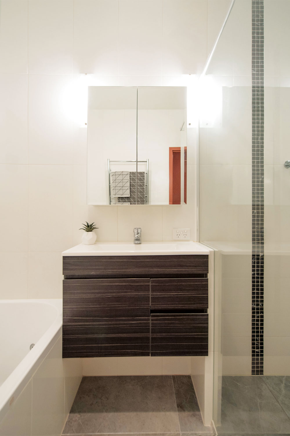 Sleek and sophisticated: choosing tiles for perfection