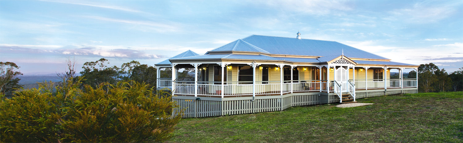 Grandeur and opulence: a classic Queenslander Small House