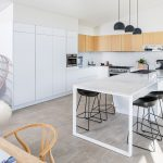 Light and bright: a stylish dream kitchen