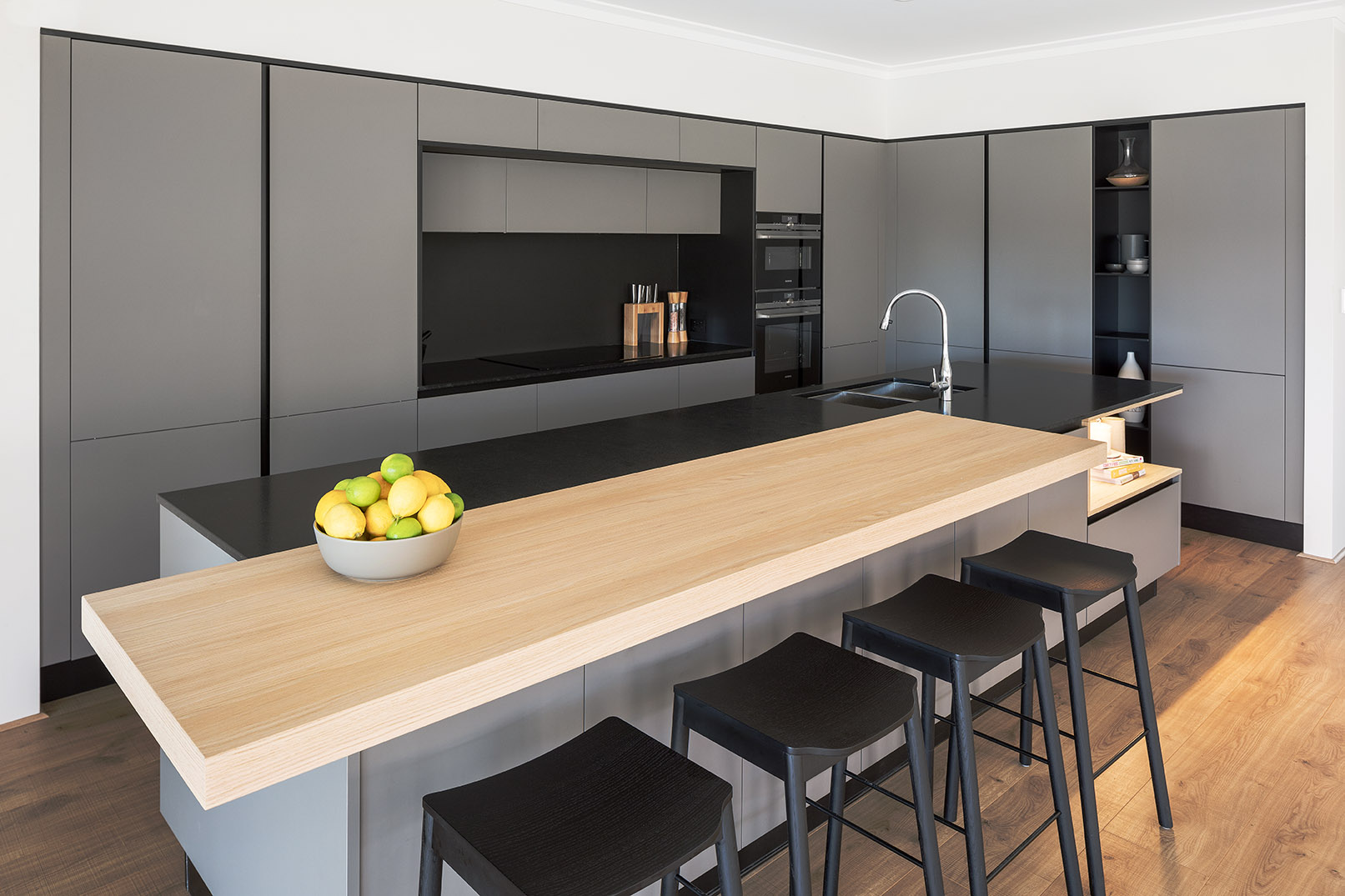 Stylish finish, natural materials: a centrepiece kitchen design