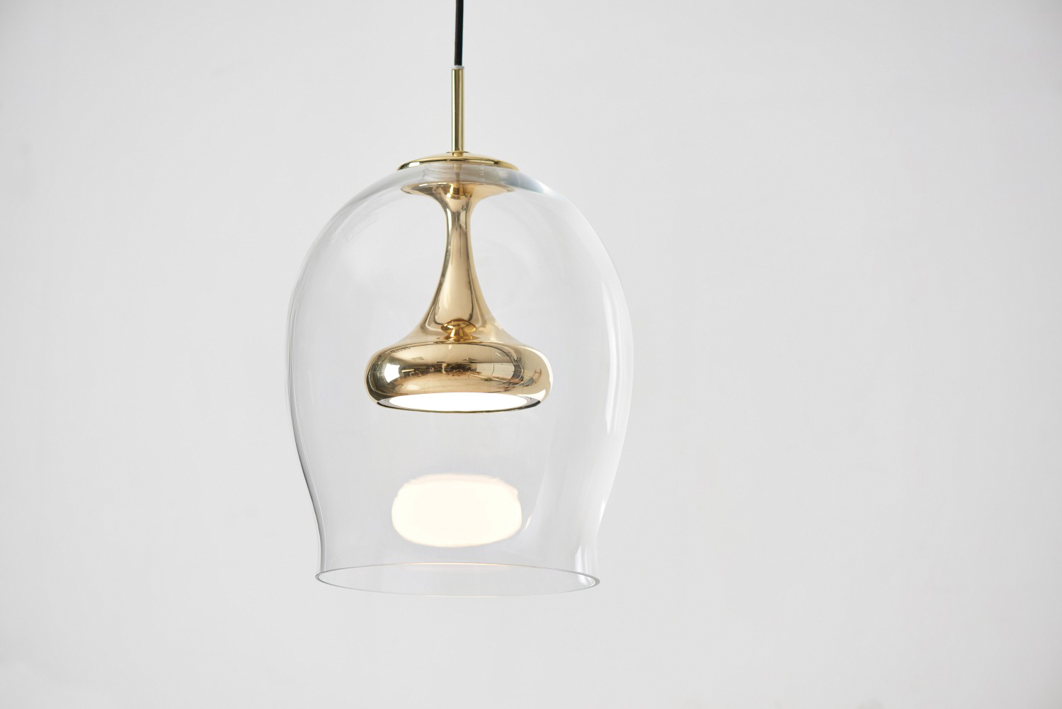 Luxe luminaires: beautiful lighting to enhance your space