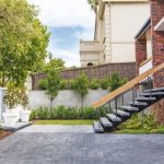 A perfect match: a modern, minimalist outdoor design