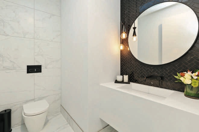 Alpine White: a simply stunning HI-MACS bathroom