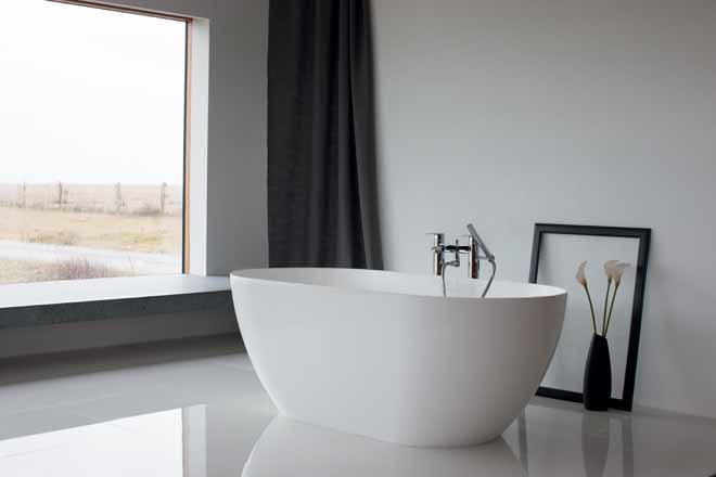 ClearStone Bath: light and seamless