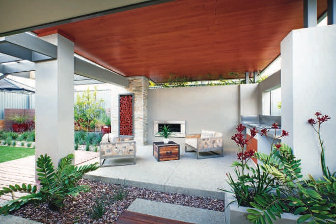 In the holiday mood: a modern, resort-style garden retreat
