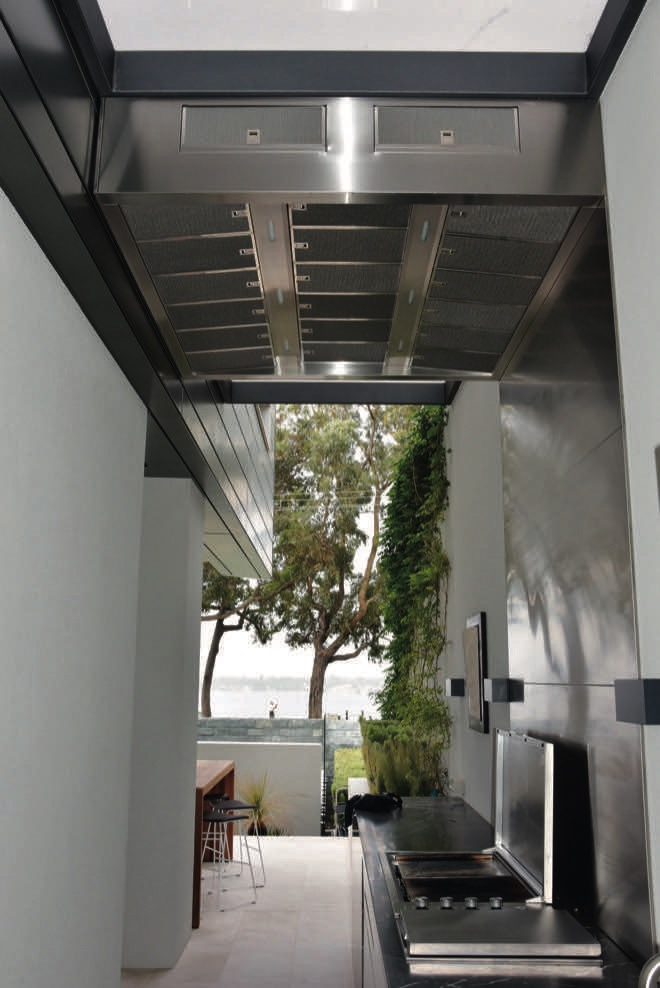 The perfect alfresco rangehood: your outdoor kitchen