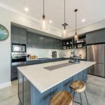 Sleek grey-blue kitchen: a balance of modern and classic