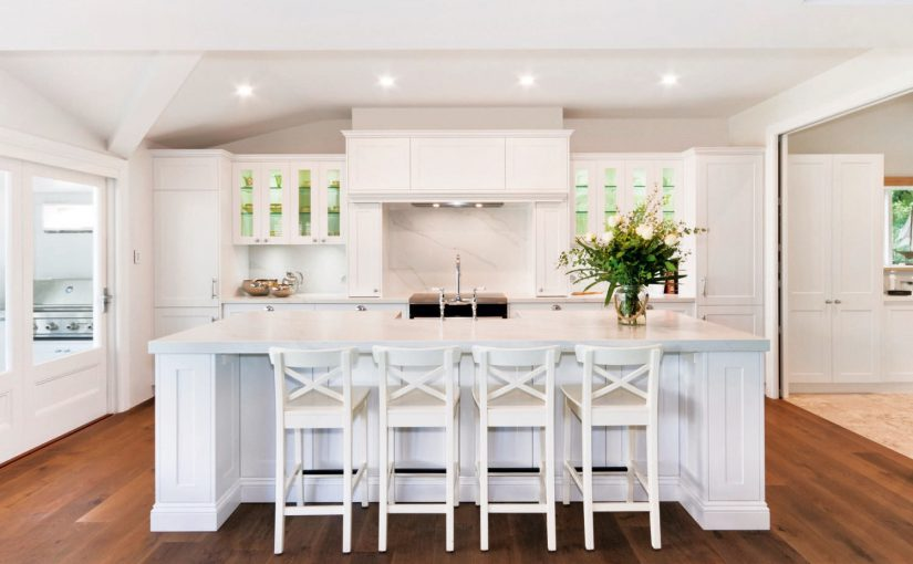 Light and bright: traditional English meets Australian coastal kitchen