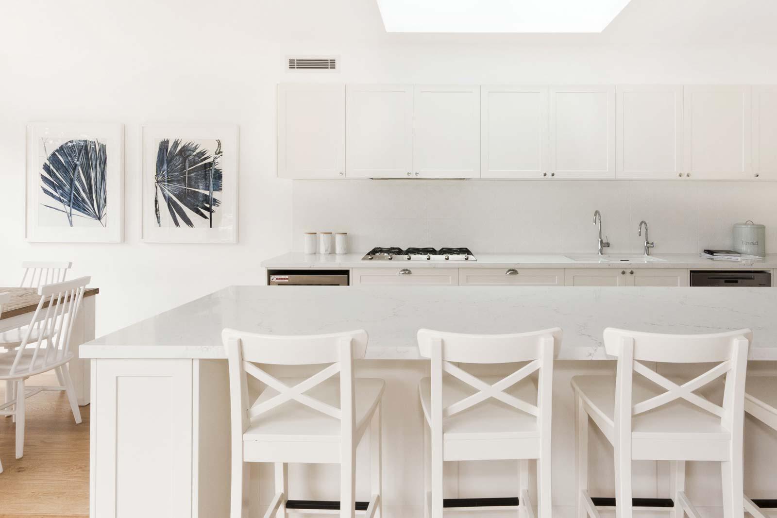 Premier Kitchens' contemporary Hampton's style kitchen
