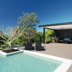 Glass house: a home in harmony with nature