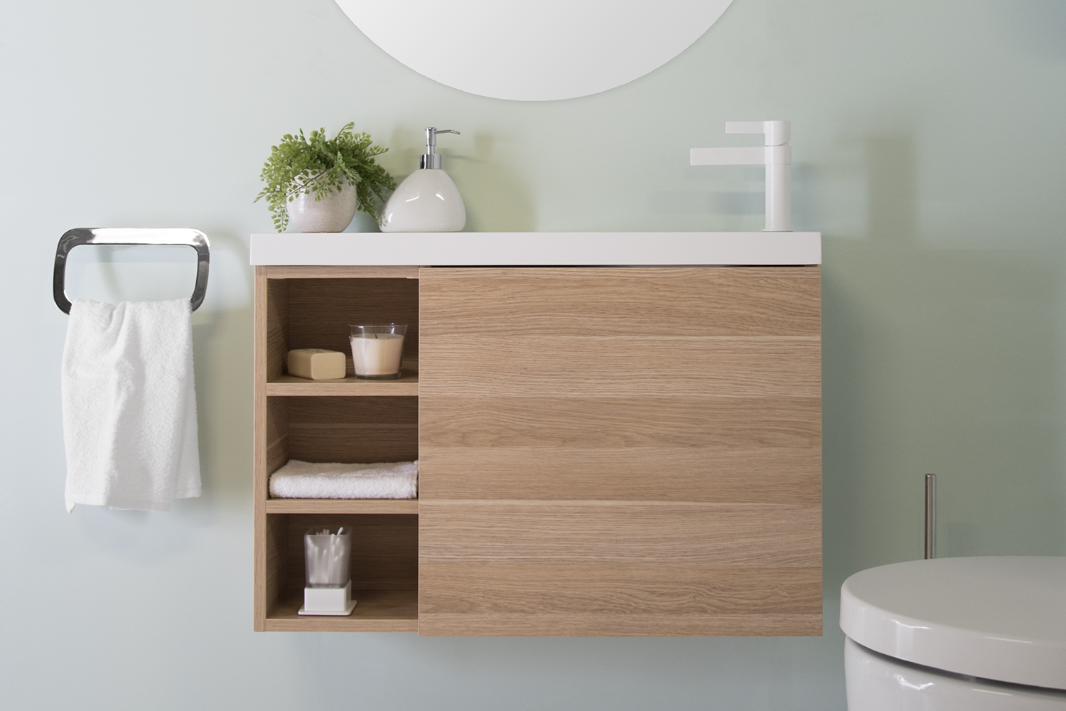 10 tips for making the most of your small bathroom