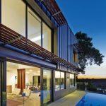 Full metal jacket house: where the city meets the bush
