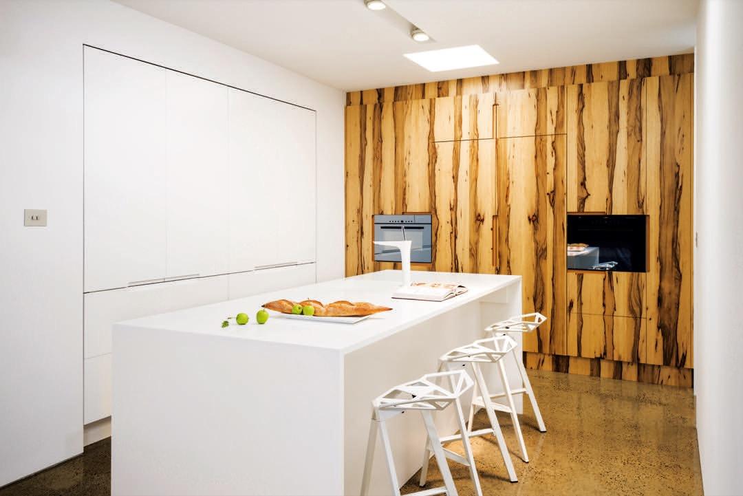 Discreet kitchen design by Smith & Smith Kitchens