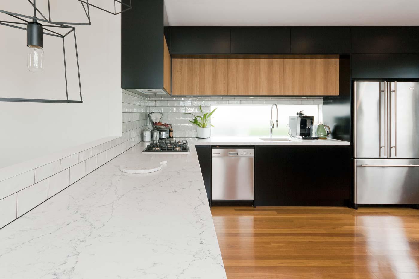 Caesarstone White Attica Dulux Domino Black Kitchen Design Polyurethane Cabinets Industrial 3a