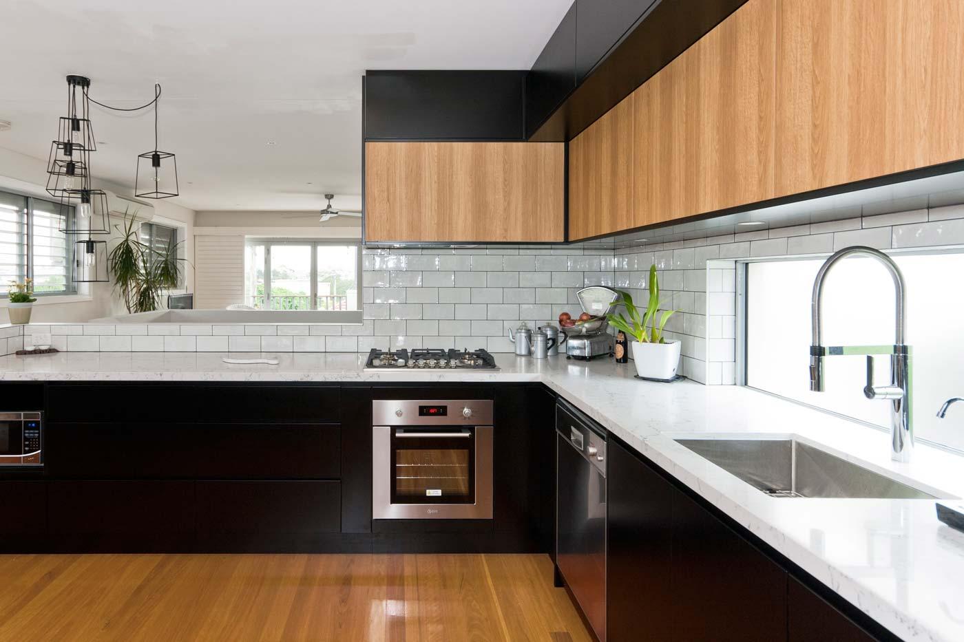 Caesarstone White Attica Dulux Domino Black Kitchen Design Polyurethane Cabinets Industrial 5a