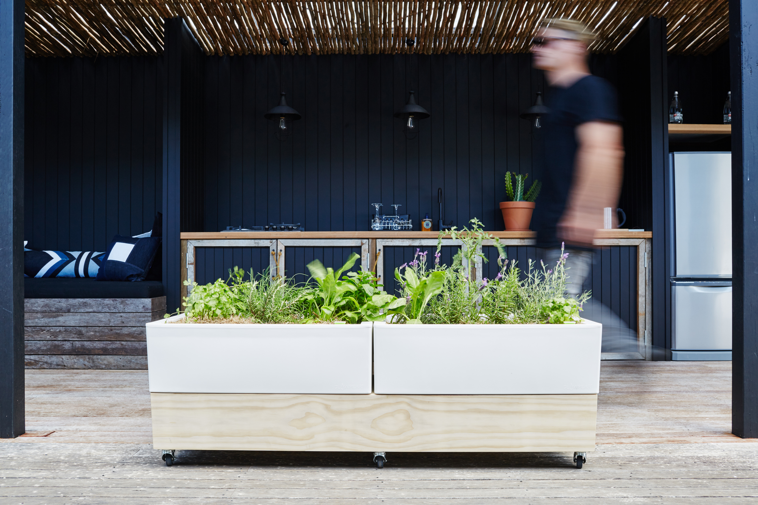 Glowpear Café Planter: more mobile goodness