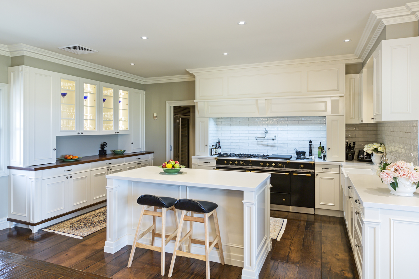 A perfectly provincial kitchen with a modern twist