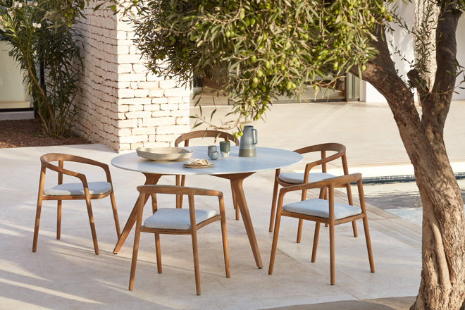 Solid Chairs And Torsa Table 3