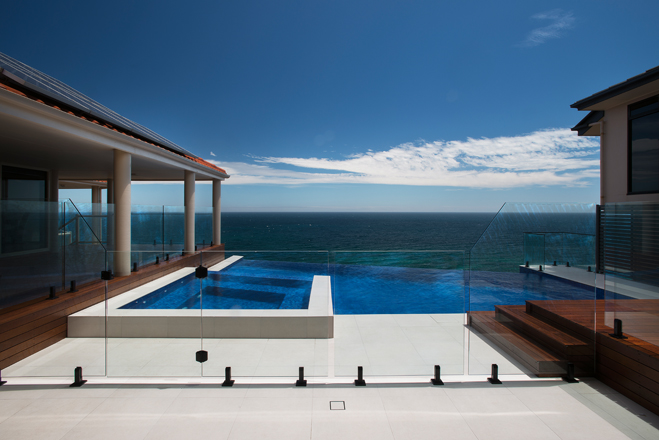 An Adelaide pool and spa with dazzling water views