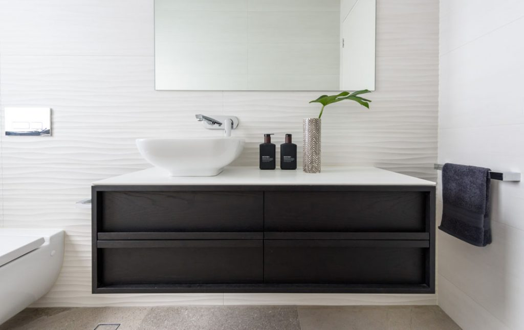 Cosentino: the perfect surface for every style of bathroom